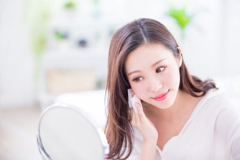 7 Secrets on How to Make Skin Look Younger