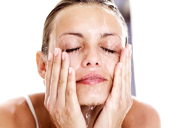 Cleansing is an important skincare tips